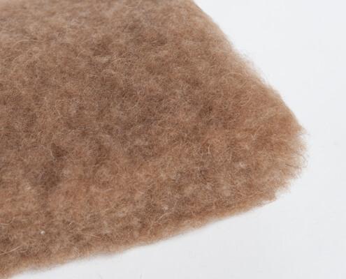Camello de lana de pelo pelusa